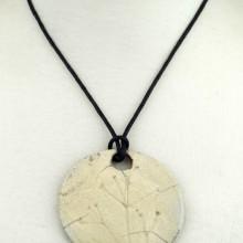 ŚLAD NATURY Wisior ceramiczny okrągły